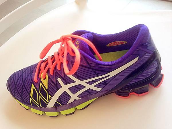 圖8 色彩繽紛亮麗的運動鞋