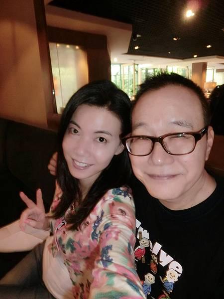圖3 我和澤治在南京金陵酒店