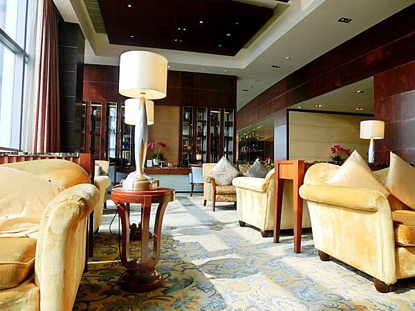 圖12 青島香格里拉酒店二十樓VIP廳