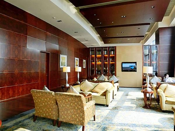 圖13 青島香格里拉酒店二十樓VIP廳