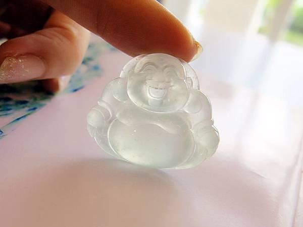 圖5 我近日選購的玻璃種翡翠雕件