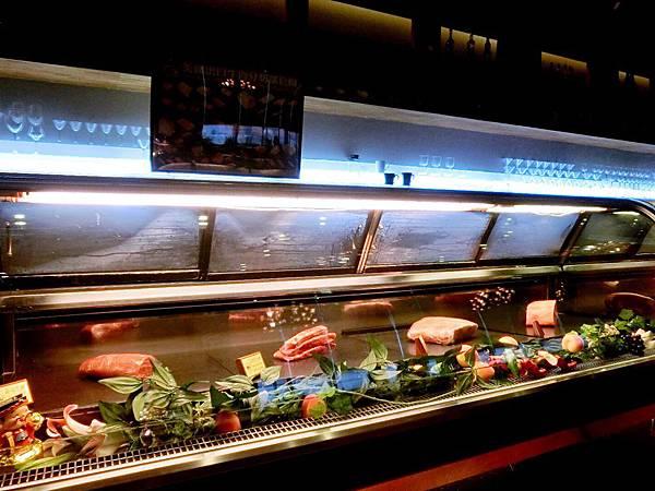 圖8 Toros內湖店的現切牛排區