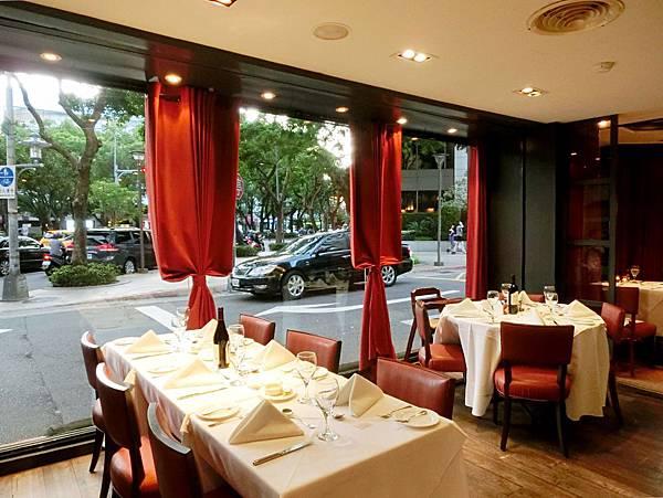 圖3 紅廚義大利餐廳內觀