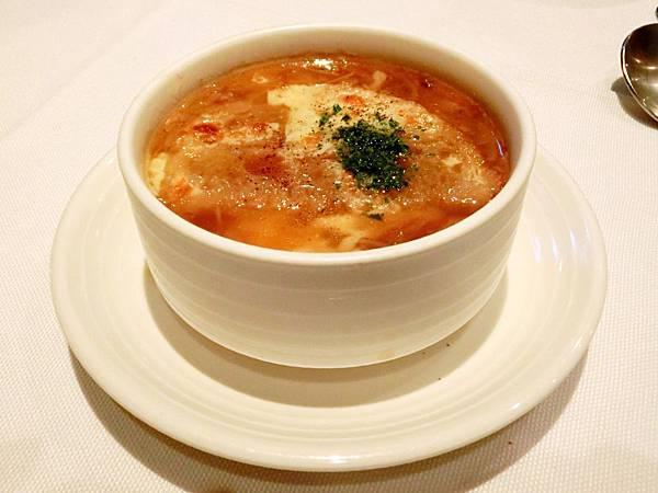 圖9 慢燉牛尾洋蔥湯