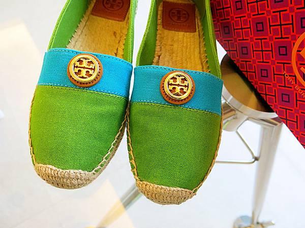 圖9 Tory Burch布鞋