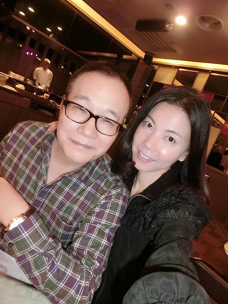 圖1 咪芬夫婦在台北福華飯店蓬萊邨台菜廳