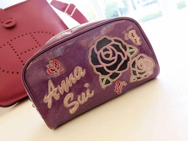圖8 使用多年的Anna Sui化妝包