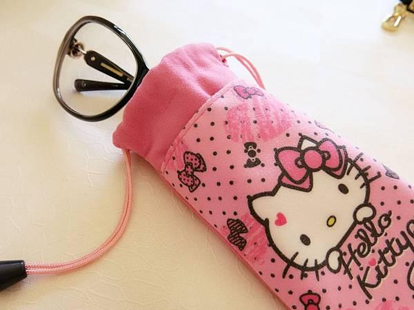 圖5 不得已才買下這個Hello Kitty束口袋