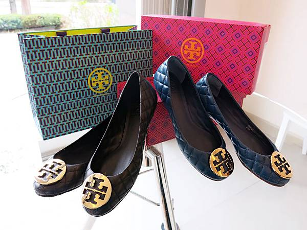 圖1 兩雙Tory Burch羊皮菱格鞋
