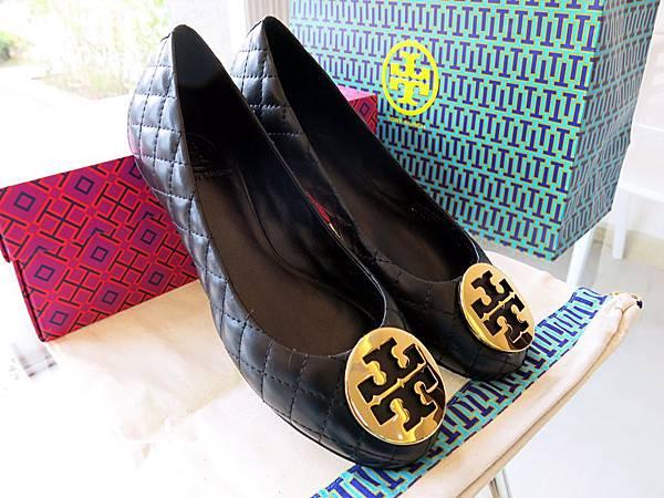 圖9 Tory Burch「亞洲楦」羊皮菱格鞋