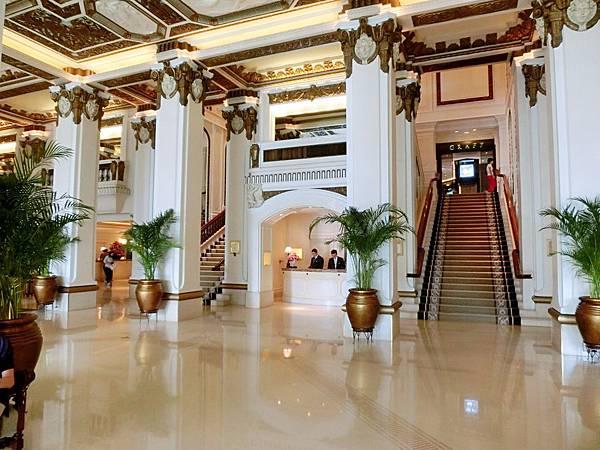 圖2 香港半島酒店Lobby