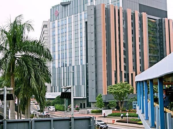圖3 唯港薈後棟是香港理工大學的〜酒店&旅遊管理學院