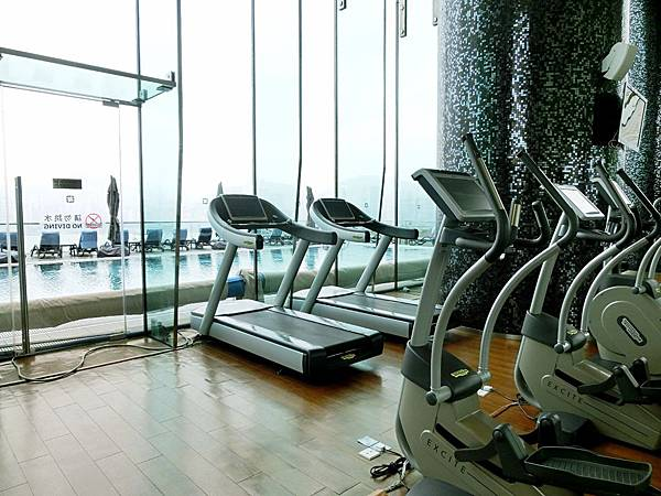 圖26 景觀絕佳的室內健身房