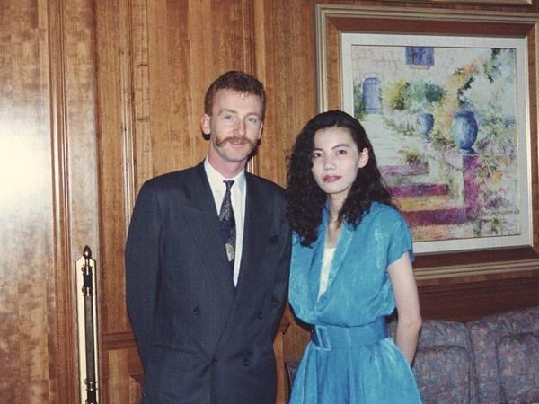 圖12 1992年春天我和Petrus外場主管合影