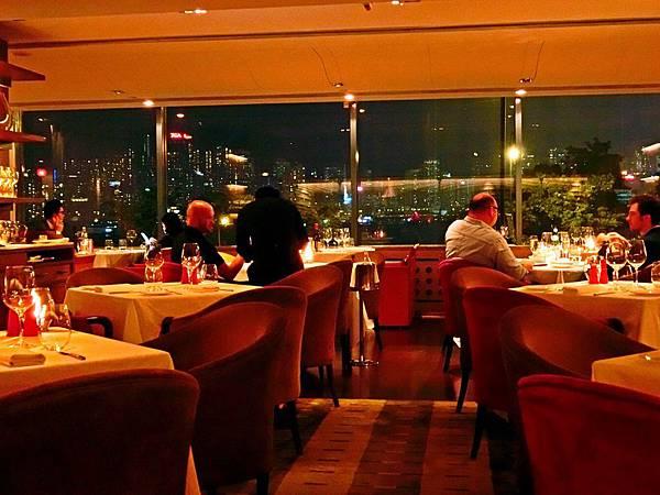 圖20 Angelini義大利餐廳氣氛絕佳,還有超美的海景。
