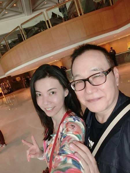 圖3 2014年我和咪呢在南京~金陵飯店