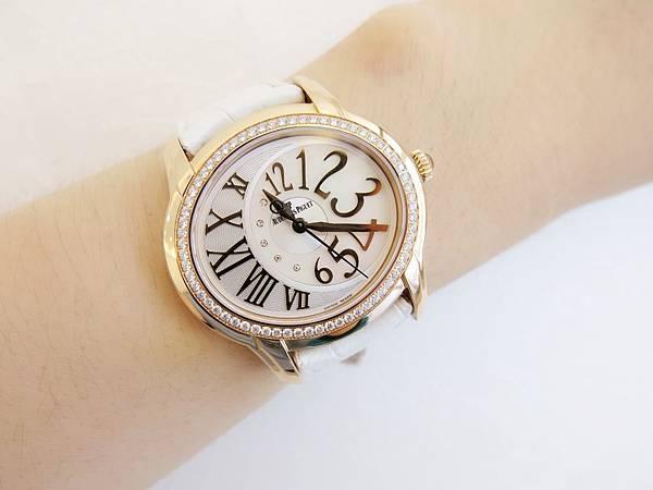 圖10 愛彼AP千禧系玫瑰金腕錶原廠原配是白色鱷魚皮帶