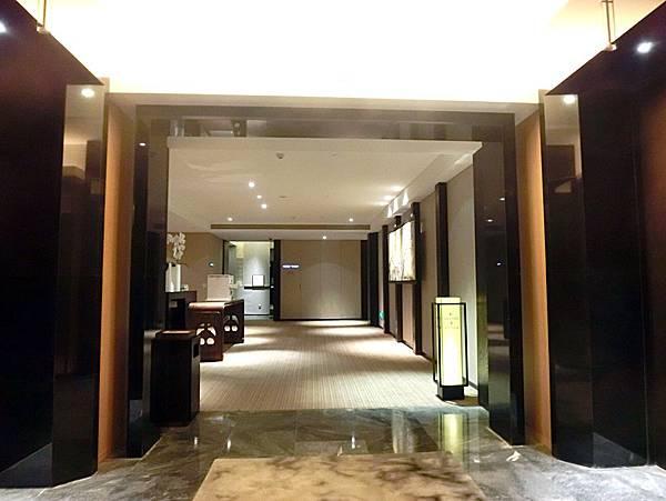 圖15 金陵亞太商務樓電梯間