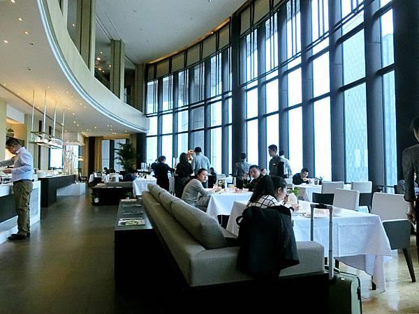 圖6 金陵亞太商務樓56F早餐廳