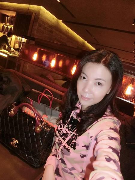 圖2 1月15日我在桃園機場華航VIP室