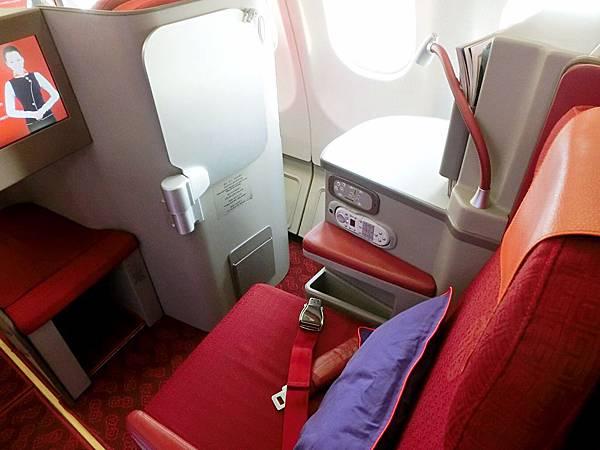 圖16 香港航空商務艙座椅