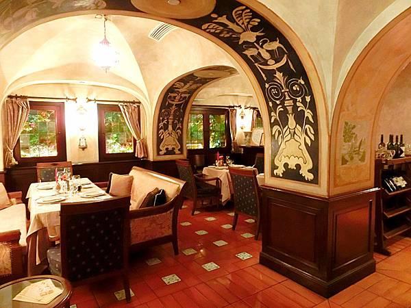 圖1 SABATINI義大利餐廳內觀
