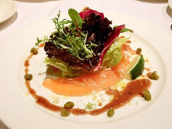圖10 香檸欖油燻鮭魚沙拉