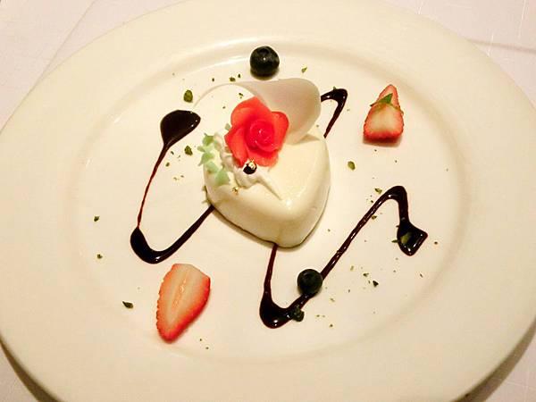圖14 紅廚特製情人節甜點