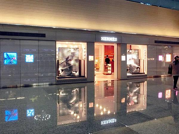 圖4 桃園機場二航廈愛馬仕專賣店外觀