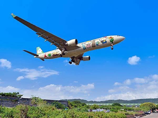 圖4 長榮航空班機(翻拍自長榮官方FB)