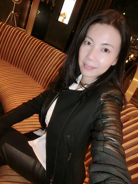 圖7 Laurel拼接皮革黑色上衣&長褲(2014秋冬款)