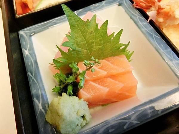 圖11 松花堂便當的生魚片