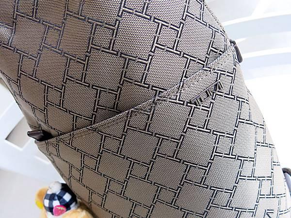圖9 TUMI防彈布包