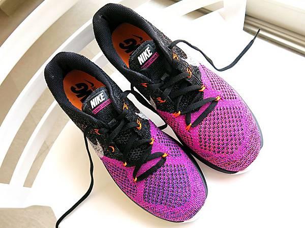 圖1 我新買的NIKE編織跑鞋