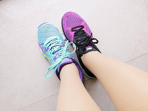 圖14 Lunar 3(右)鞋型比一般運動鞋窄小