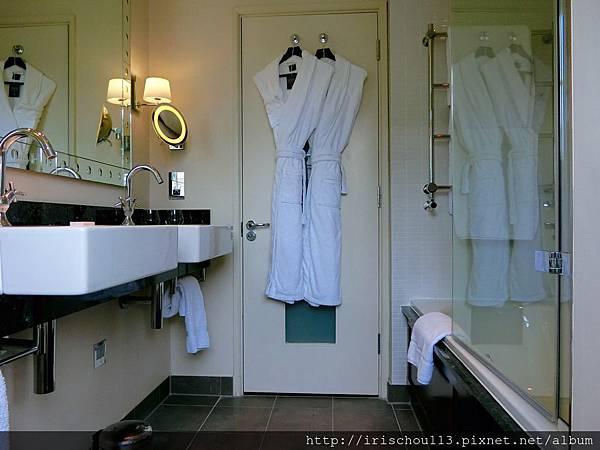 圖15 浴室.jpg