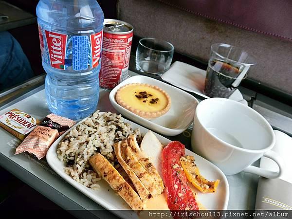 圖9 巴黎>倫敦的歐洲之星商務艙餐飲