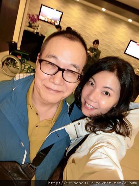 圖2 5月28日我和咪呢在桃園機場長榮VIP室