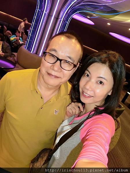 圖11 我和咪呢在長榮VIP室.jpg