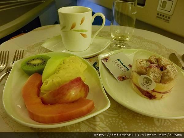 圖16 水果、甜點、飲料。.jpg