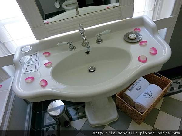 圖29 浴室內觀.jpg