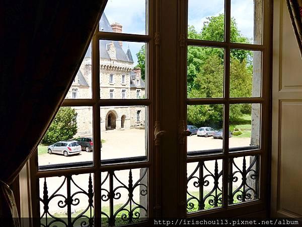 圖14 客房窗外景觀.jpg