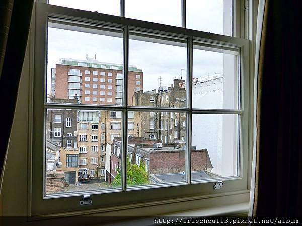 圖11 客房窗外景觀.jpg