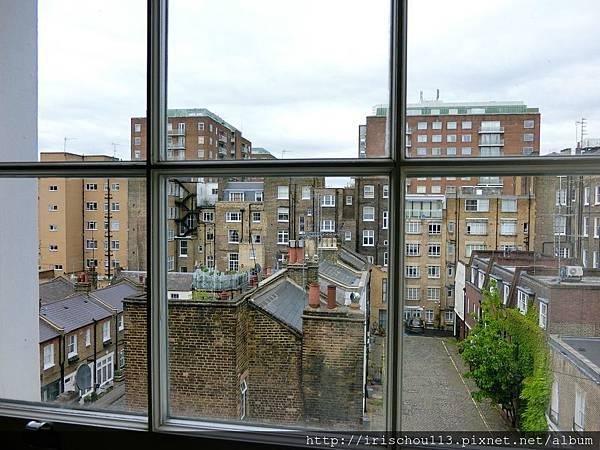 圖12 客房窗外景觀.jpg