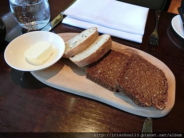 圖24 Hunter 486的麵包.jpg