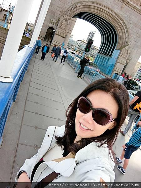 圖29 我在倫敦塔橋上.jpg