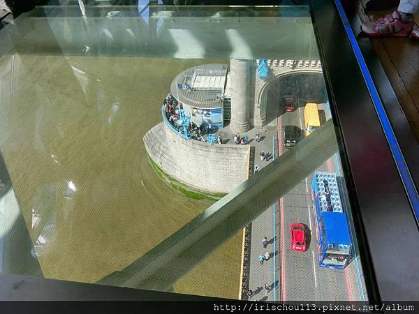 圖31 倫敦塔橋最高處.jpg