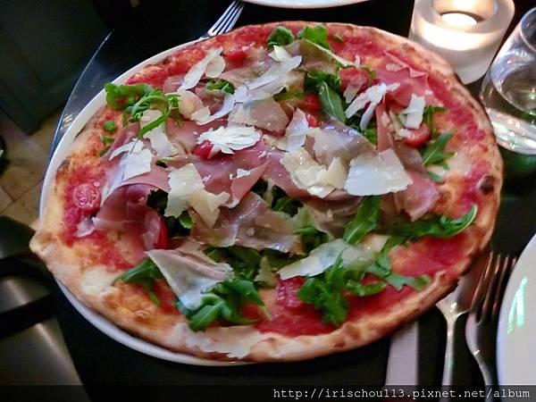 圖38 超級美味的比薩.jpg
