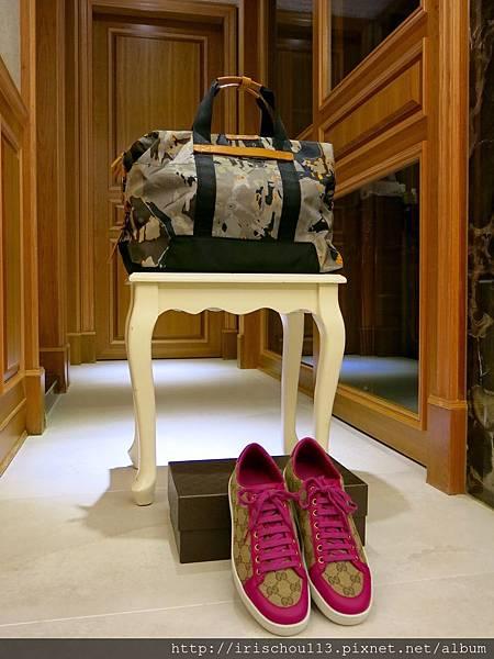 圖1 TUMI登機包&GUCCI休閒鞋.jpg