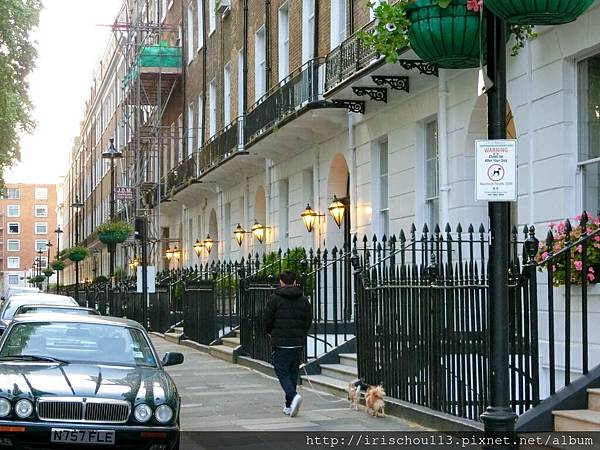 圖20 倫敦Day 3,散步夜遊,又見到好多蹓狗的男人.jpg